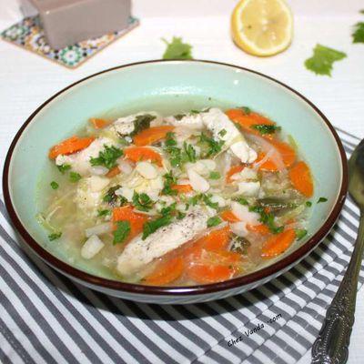 Soupe de poulet aux légumes et au millet