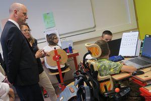 Centre Presse : Handicap : le ministre salue une...