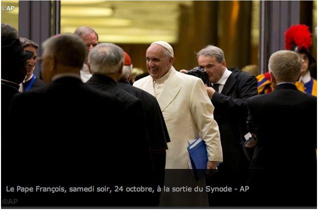 Conclusion du Synode : François appelle à «lire les réalités avec les yeux de Dieu»