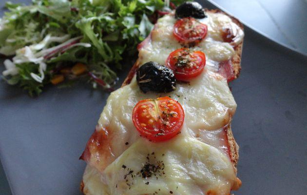 Baguette pizza (tartine gratinée)