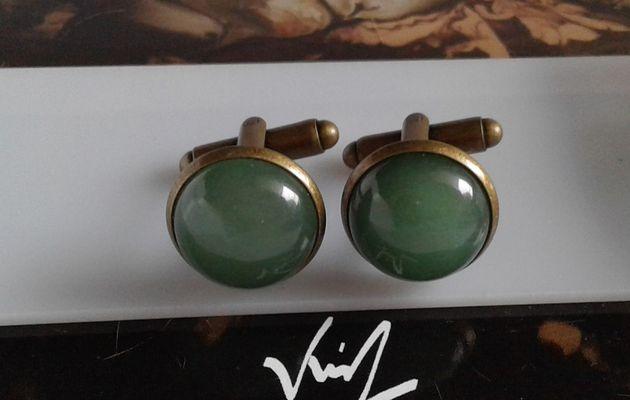 Boutons manchette laiton bronze avec cabochons ronds en aventurine quartz vert pierre gemme precieuse,accessoire costume cravate,bobo boho gothique,cadeau fete anniversaire noel,fait mains en france