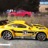 FERRARI 575 GTC HOT WHEELS 1/64 - car-collector.net