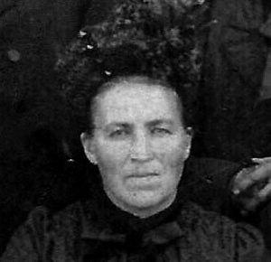 Julienne Rebequet née Poittevin en 1906