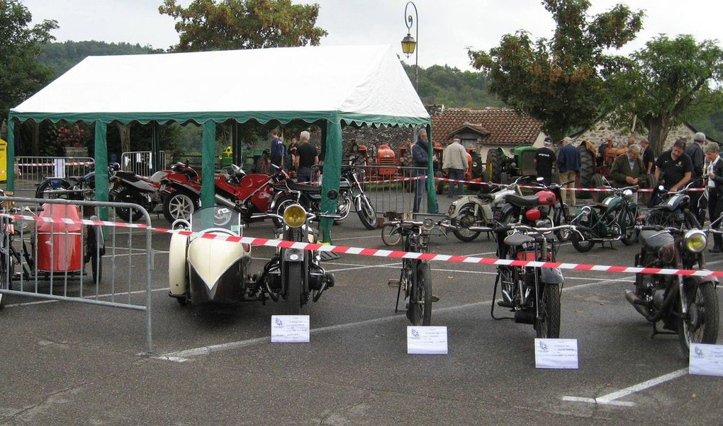 Des vieilles motos...