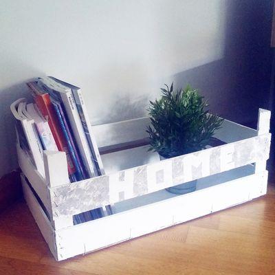 Revistero con caja de fruta DIY