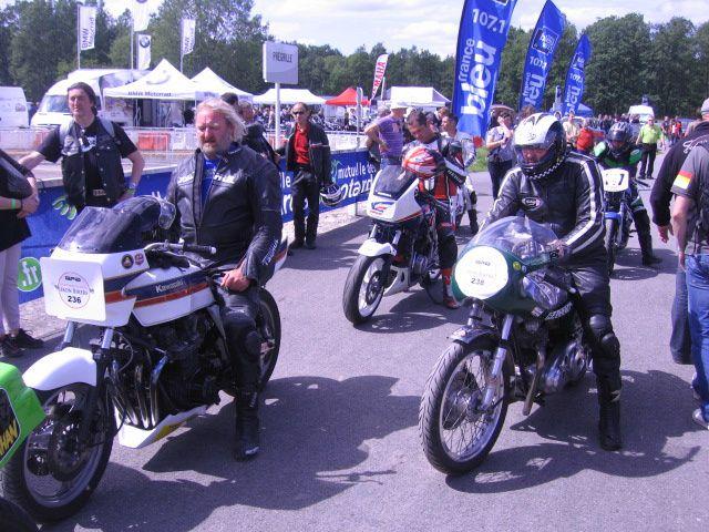 IRON BIKERS Montlhery 2012 Démonstrations motos anciennes de course, vitesse, café racer, motorcycle