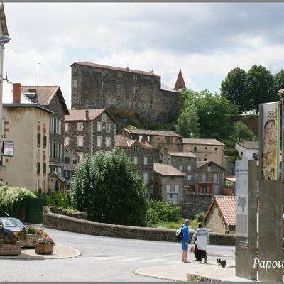 Au hasard dans les rues de saint Privat d'Allier