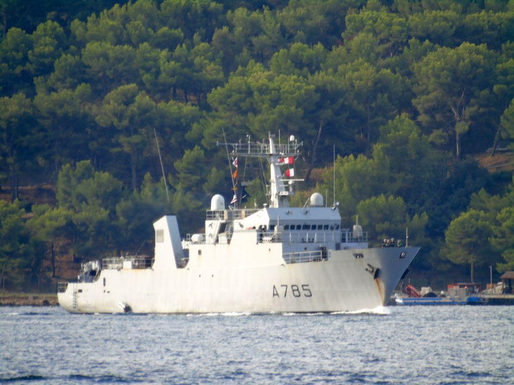 THETIS  A785, Batiment d'expérimentationsde guerre des mines , arrivant à Toulon le 13 septembre 2018