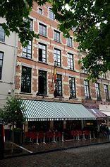 Bruxelles : des maisons Niels, des institutions de la ville, ça vous dit quelque chose ?*