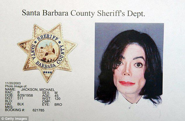 Comment les victimes de Michael Jackson ressentent-elles l'adulation pour la star et le déni de ses adorateurs.