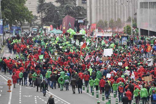 Belgio : 60000 personoj sur la bruselaj stratoj, laŭ la polico