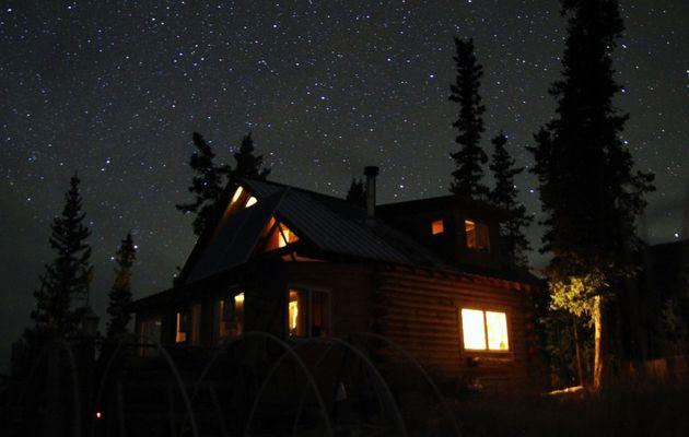 Canada - Celui qui expérimentait la vie en cabane