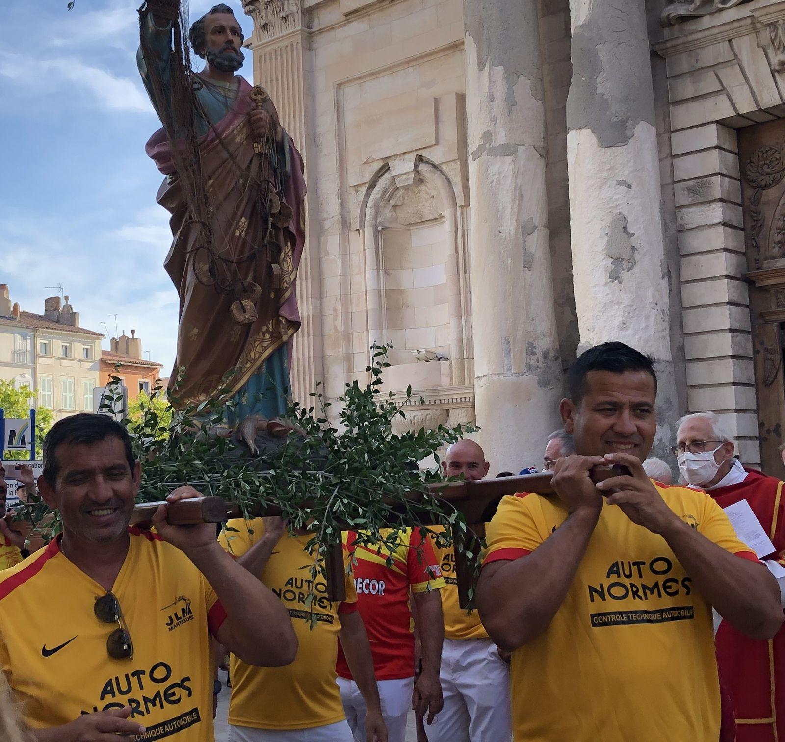 Messe solennelle, Procession et Bénédiction de la ville par le Père Michel Isoard, curé de Martigues et Port de Bouc