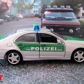 FASCICULE N°3 MERCEDES CLASS C POLIZEI RLP 2002 POLIZEI DEUTSCHLAND - car-collector.net