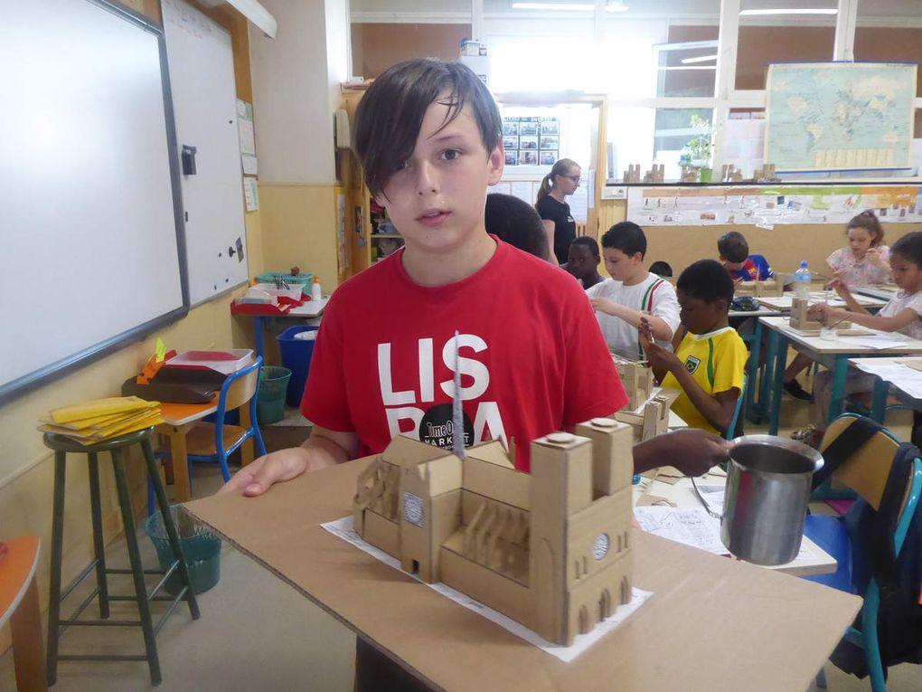 "Maquette en carton ""Notre Dame"""