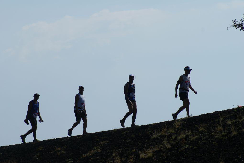 Una rassegna di foto a partire dall'Ecotrail di Linguaglossa (2011), passando per la 1^ edizione (2012), sino a quella odierna.