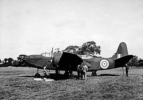 Un avion factice, inspiré duDouglas A-20Havoc, en octobre 1943.