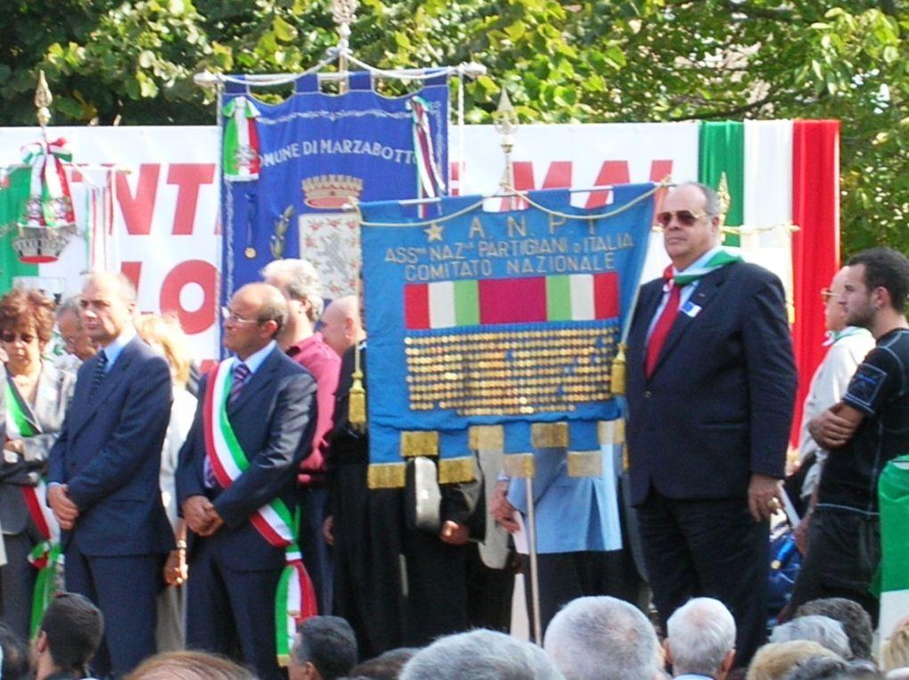 1 ottobre 2006: a Marzabotto con studenti della scuola Media di Nova Milanese; oratore ufficiale Walter Veltroni