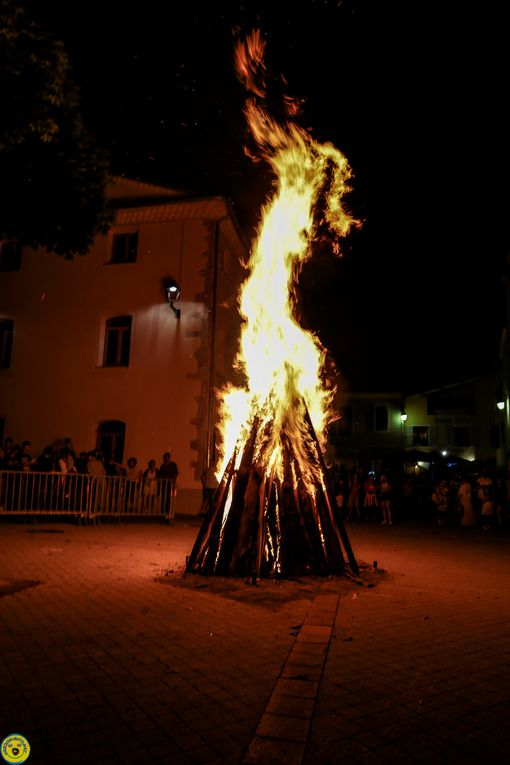St André les Allpes ; le feu de la St jean