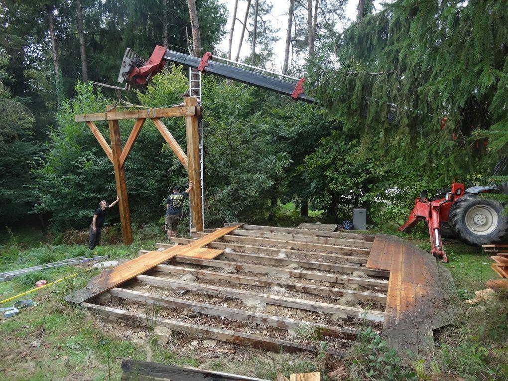 cabane perchée dans les arbres avec SPA