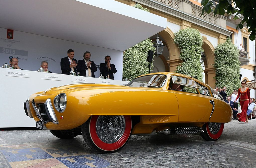 "VOITURES DE LEGENDE (530) : PEGASO  Z102  2.5 COUPE ""CUPULA"" - 1952"