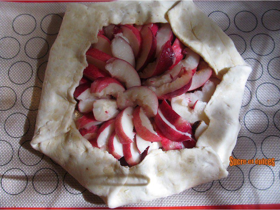Tarte rustique aux nectarines et spéculoos