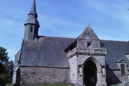 un clocher par jour; a steeple per day