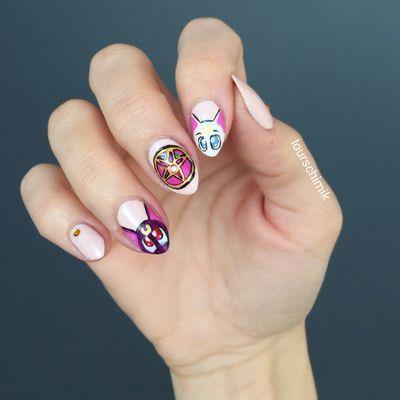 nail art sailormoon (encooorreeee)