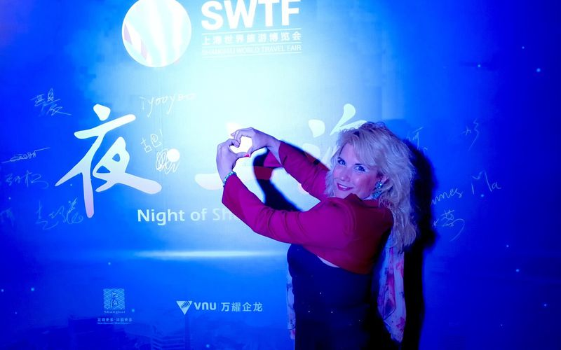 Veronica Antonelli invited at the famous gala of #SWTF in Shanghai China 维罗妮卡安东内利在上海