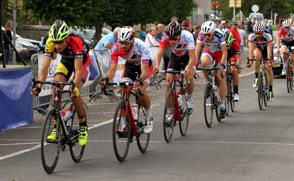 Les classements des courses de La Guéroulde (27) et les photos de la course 2, 3 et J