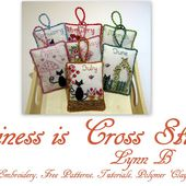 Happiness is Cross Stitching : Freebie Friday - Lace bookmarks