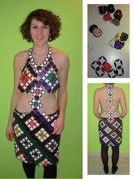 Une robe en capsules