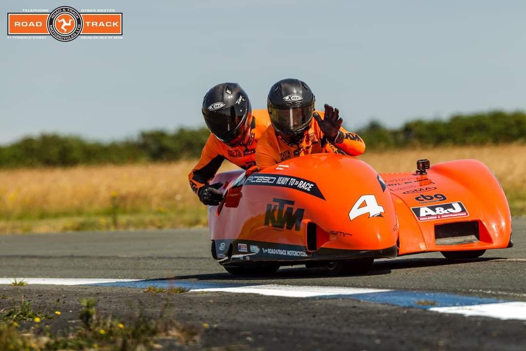 photos Road and Track et Mark Corlett