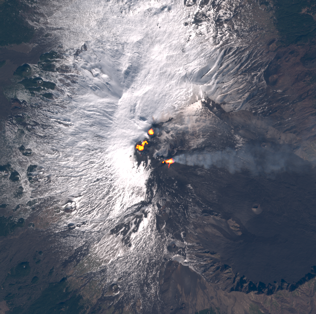 Etna - activity of the 4 summit craters on 02.06.2021 / 09h52 - image Sentinel2 bands 4,3,2 + bands 12,11,8A via Mounts Project - one click to enlarge