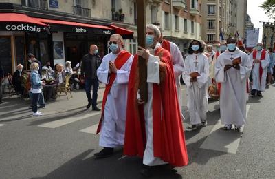 Kulturkampf : Cent cinquante ans après la Commune de Paris le Frente Crapular continue d'agresser des Catholiques