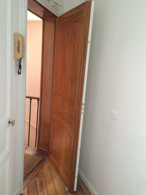 Porte en faux-bois, imitation chêne.