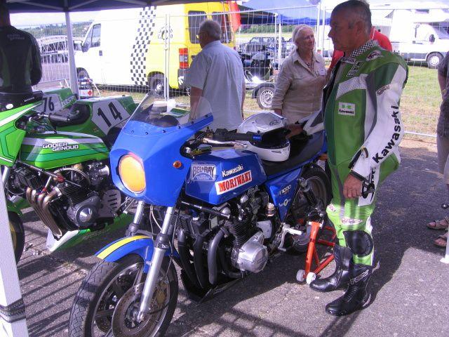 Grand Prix Vichy Classic 2013 Plateau Motos et side-car Démonstrations auto moto side-car de course sur piste  Aéroport Vichy Carmeil