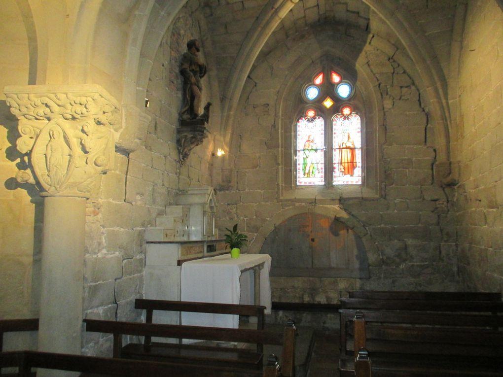 Paysage du jours Clocher de l'église d'Azile Pierre percée Eglise de Rieux -Minervois