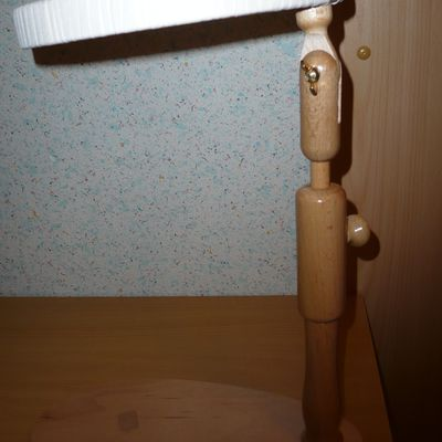 Broderie Hardanger pour une nappe en lin