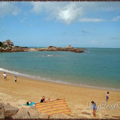 562-Tregastel et ses rochers de granit rose, en Bretagne 1/?