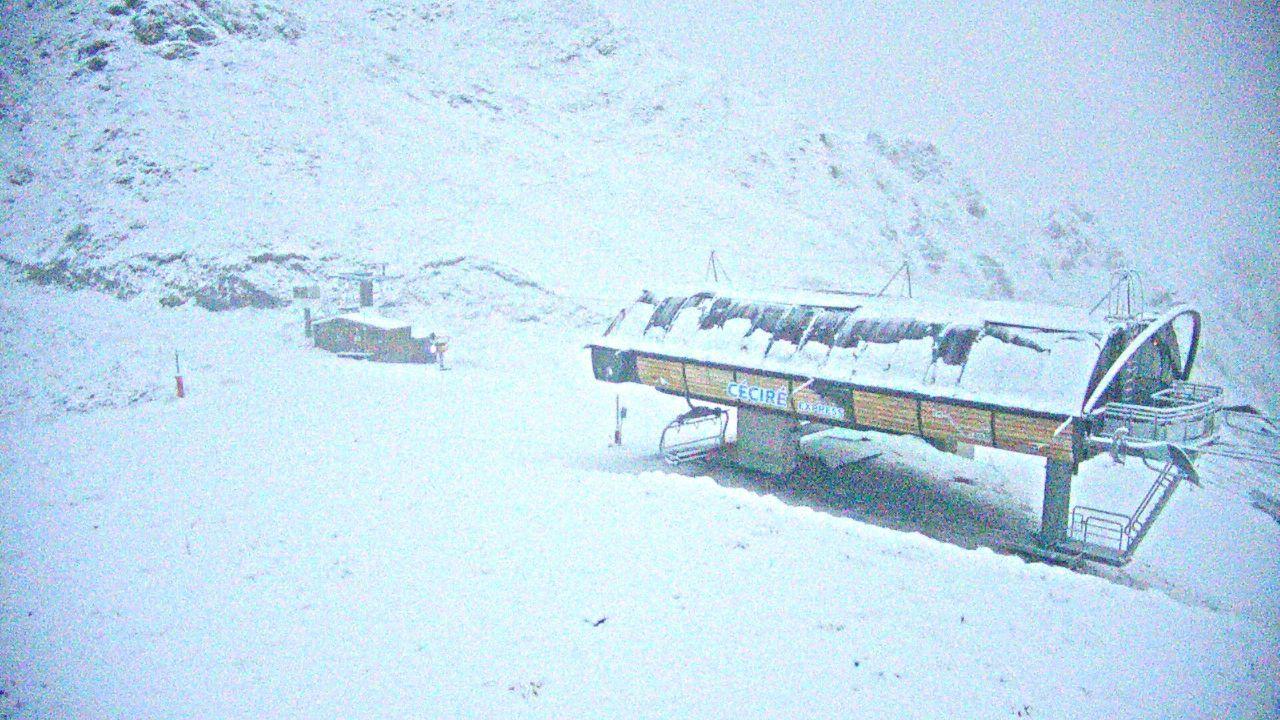 Confinement, Saison 2 : ce mercredi matin, Luchon-Superbagnères sous la neige... depuis mon fauteuil de confiné
