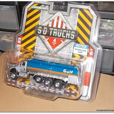 Camions....  by Greenlight