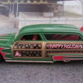 PURPLE PASSION WOODY HOT WHEELS 1/64 FORD MERCURY 1951 WAGON - car-collector.net