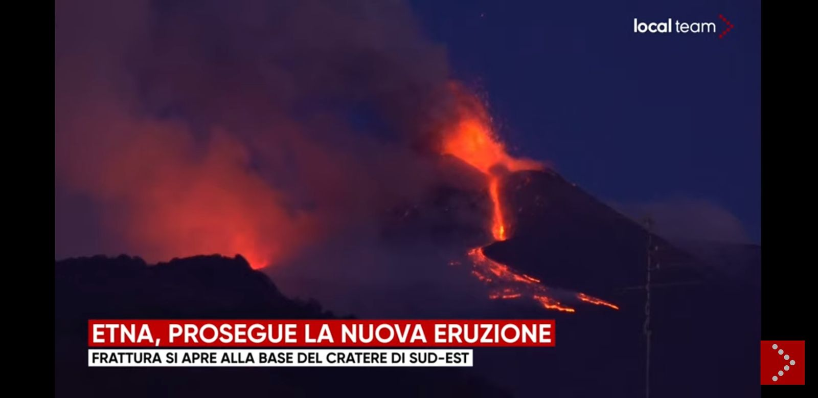 Etna SEC- ouverture d'une fracture à la base du cratère sud-est  - photo Local Team