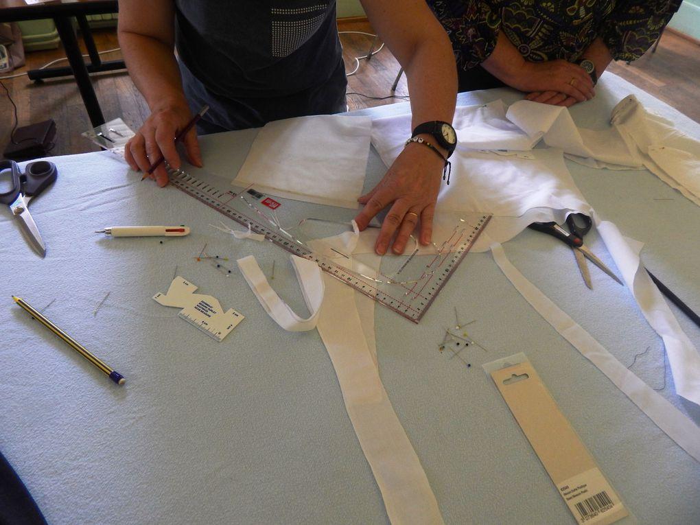 Premier & deuxiéme après midi de couture pour nos cowgirls repos des Tiags, maintenant dessin, coloriage, découpe et bientôt la confection des futurs tenues de nos Cowgirls, avec l'aide d'une prof.