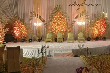 Why Weddings And Events Need Flower Decorations Invariably?