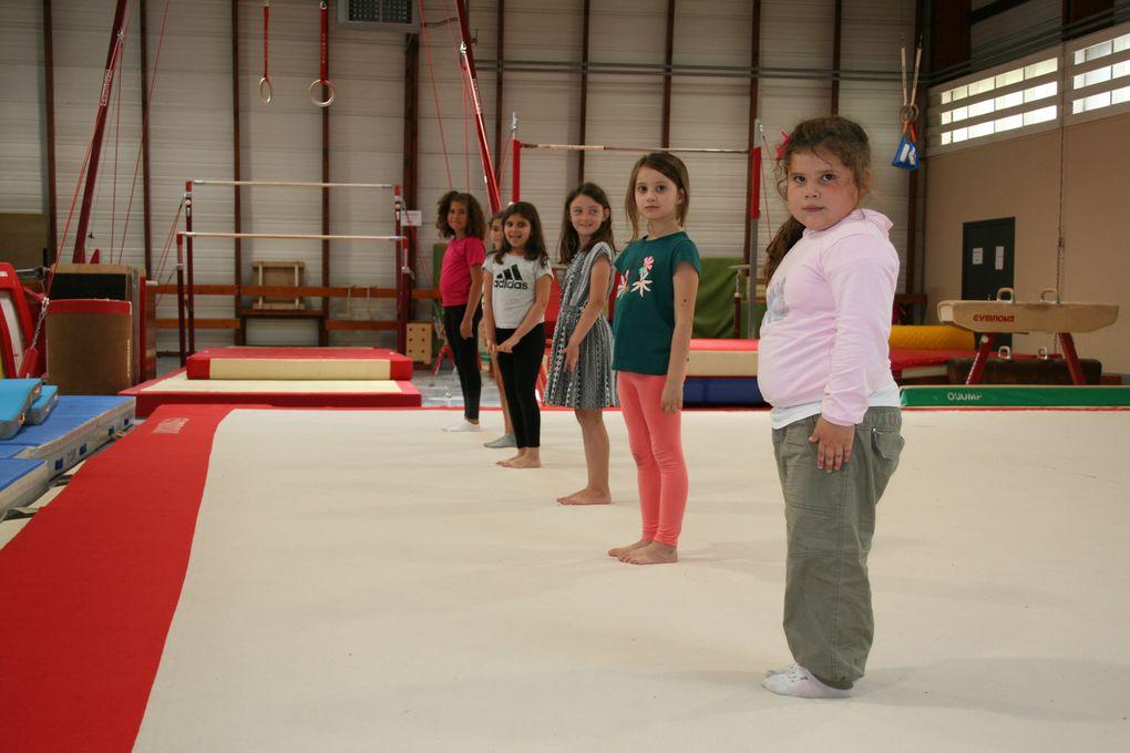 Mardi 3 Août 2021. Avec leur animatrice Isabelle Gillon, les enfants ont pu découvrir de multiples danses, du classique à la danse Country, il y en a pour tous les goûts!