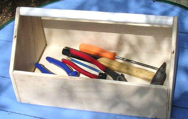 Fabrication d'une boîte à outils en bois..