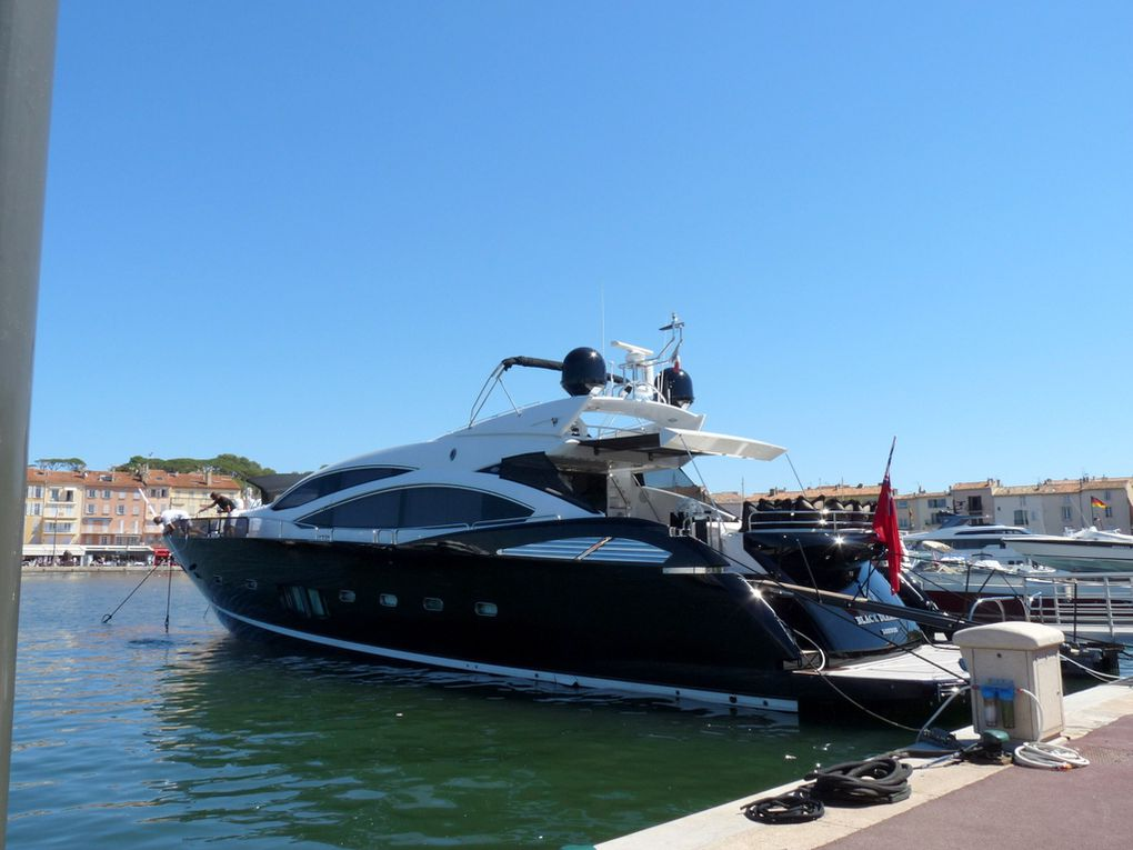 Black Diamond , à quai dans le port de Saint Tropez le 25 aout 2016