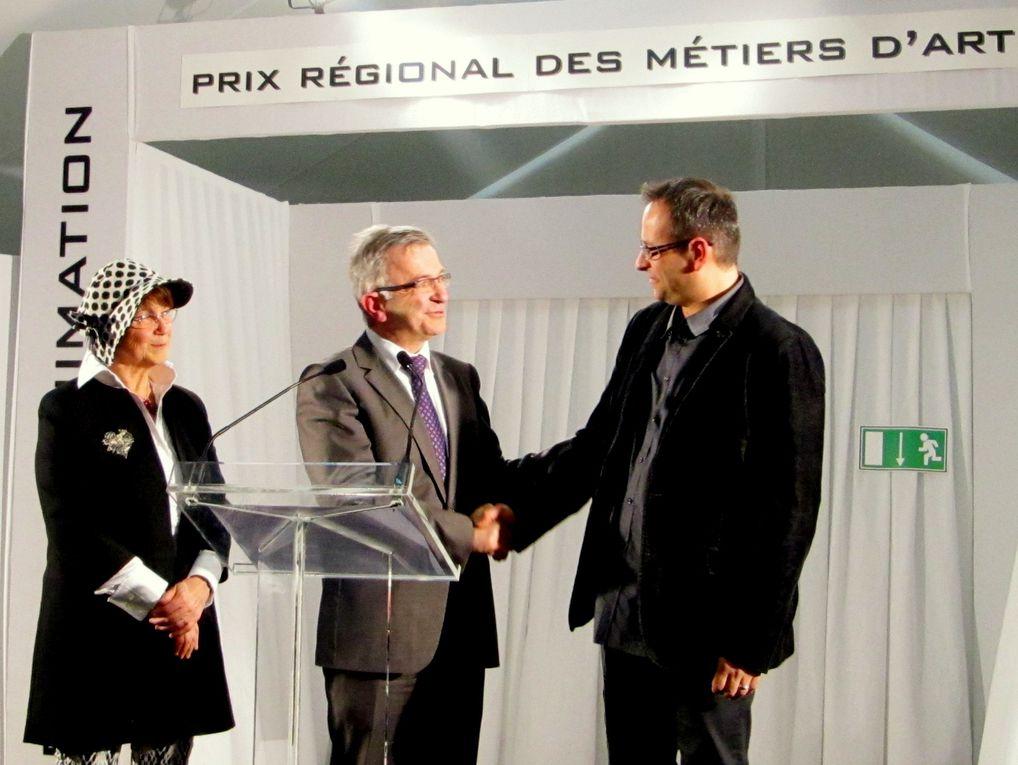 Organisé et financé par la Région Centre - Plus dinfos sur http://www.obiwi.fr/culture/plus-de-culture/96921-la-region-centre-vous-invite-au-salon-des-metiers-d-art-2013-d-orleans